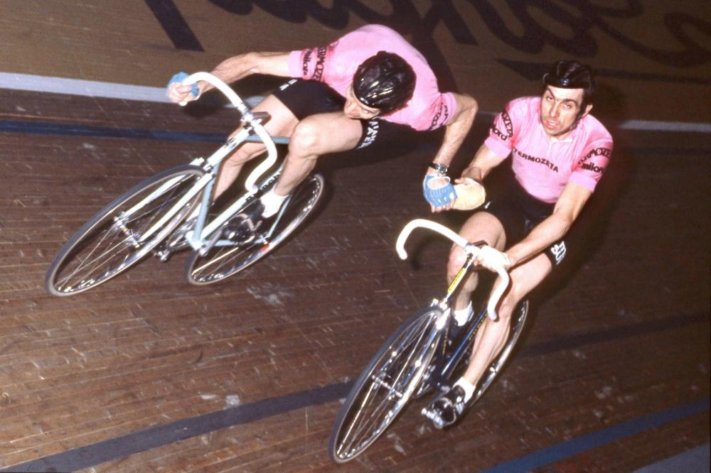 Felice Gimondi, all'ultima recita agonistica della  carriera, corse la Sei Giorni di Milano (1979) con Patrick Sercu, il più grande  pistard di sempre.